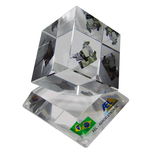 AEL_Promotional_Color_printCCC_Cut_corner_glass_cube_on_base.png