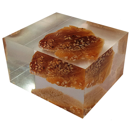 Downer_gift__Lucite__perspex_cube_with_hala_bread_inside_5.png