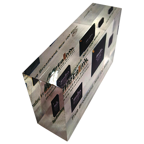 METALINK_Lucite_paper-weight_acrylic_cube_with_chip_and_electronic_parts_color_printing_inside_5.png