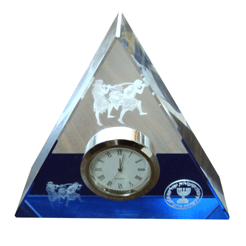 Prime-minister-office-Triangle-clock-color-printing-on-glass3.png