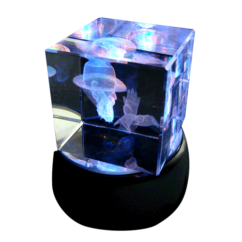 Rabi-Melubavitz-3d-laser-engraed-glass-cube-turning-light-base-color2.png