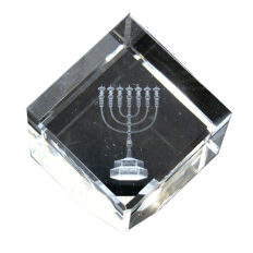 Menora-3d-laser-engraving-in-crystal-glass-cube-CCC-Front.png
